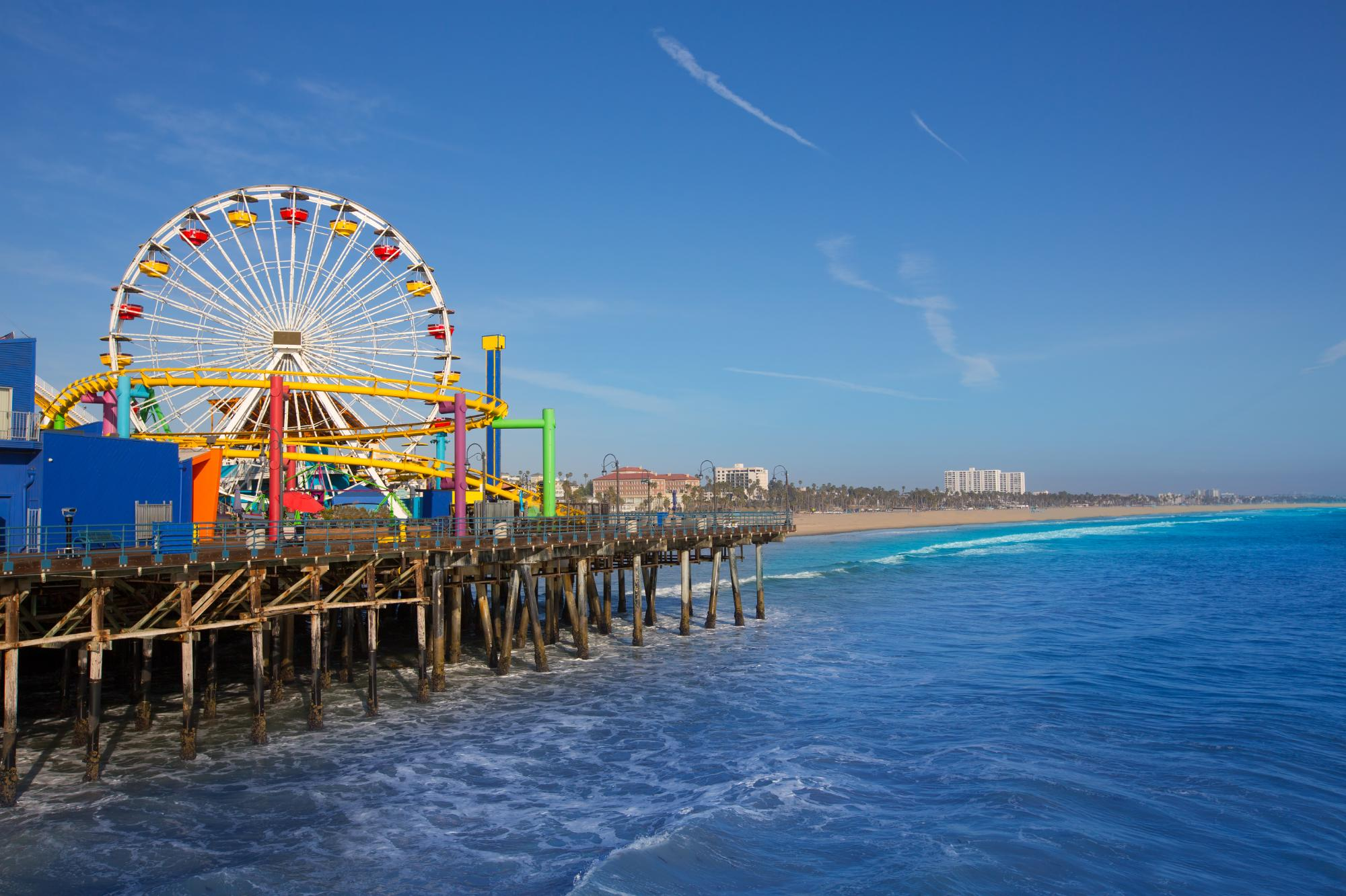 charter-flights-to-santa-monica